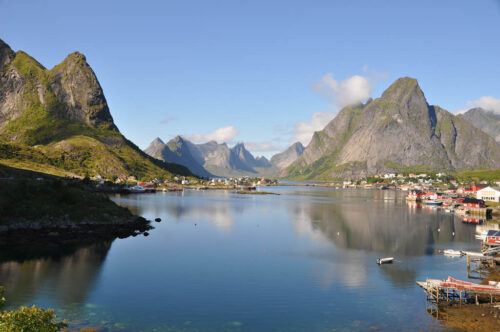 Summer on Lofoten Islands by Pixabay