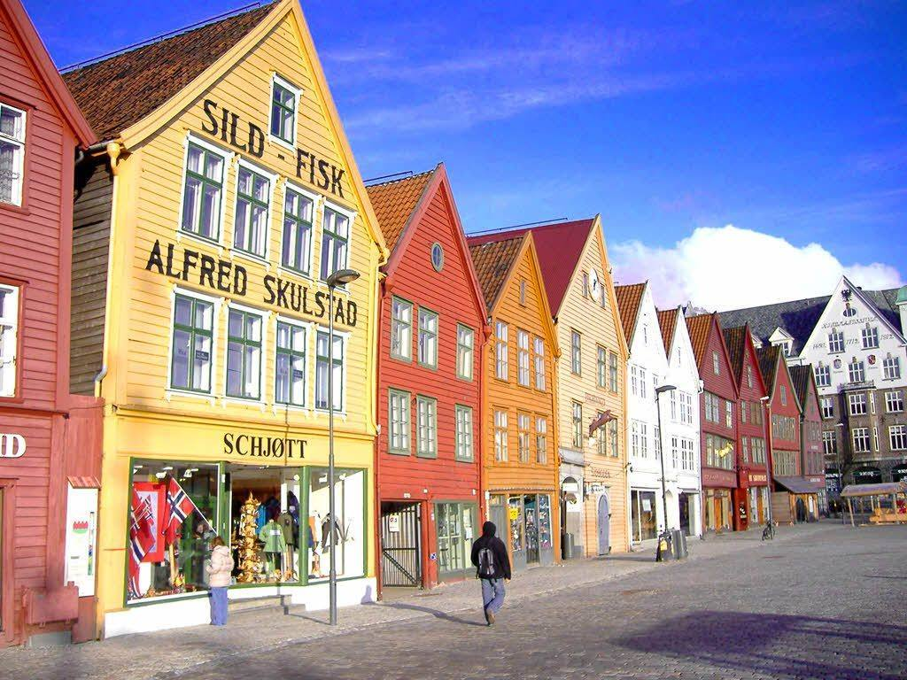 Colorful Bergen by Andrea Giubelli, Visit Norway