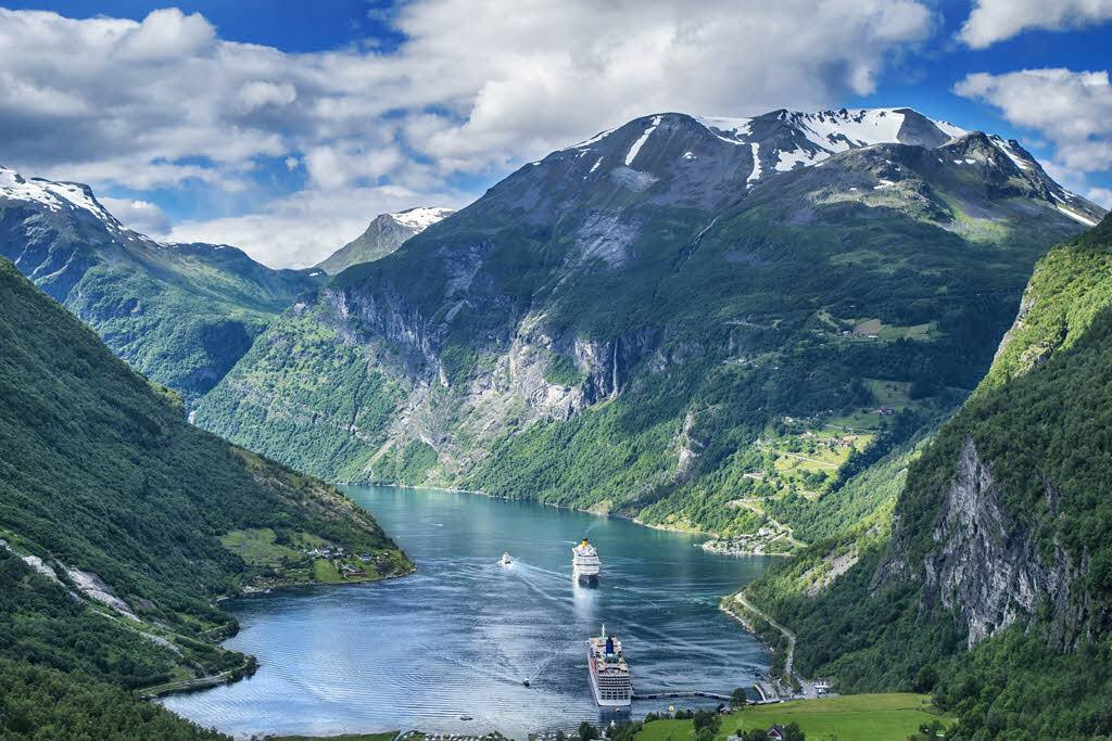 Amazing Geirangerfjord by Pixabay