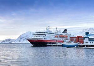 Hurtigruten Cruise in winter by Hurtigruten