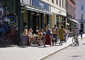 Street Scene Oslo by Tord Baklund, Visit Oslo