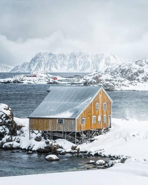 Winter landscape Norway by Stian Klo, Hurtigruten