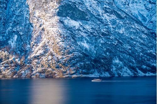 Winter cruise by Sverre Hjornevik, Flam AS