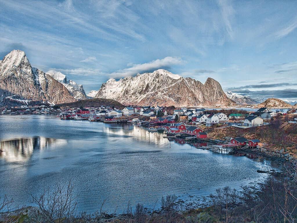 Winter on Lofoten Islands by Pixabay