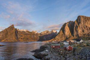 Tiny settlement on Lofoten Islands by Pixabay