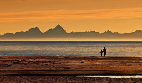 Midnight Sun in Arctic Norway by Terje Johansen, Nordnorsk Reiseliv