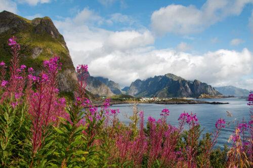 Lofoten Islands scenery By Foap, Visit Norway