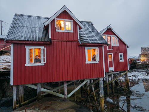 Fishermans cottage in Lofoten by Pete Oswald, Visit Norway